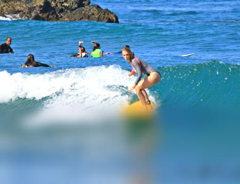Индивидуальные занятия серфингом в B Surfer