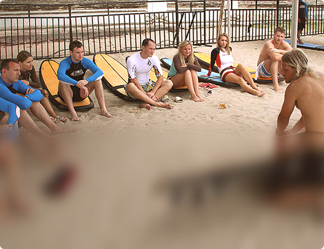 Групповые занятия серфингом в школе Endless Summer