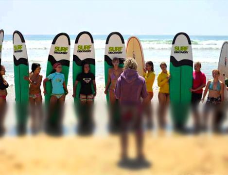 Групповые занятия серфингом в Surf Discovery